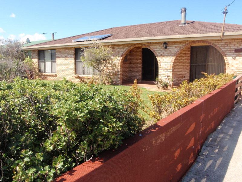 4 MARTIN STREET, Flinders Island, Tas 7255