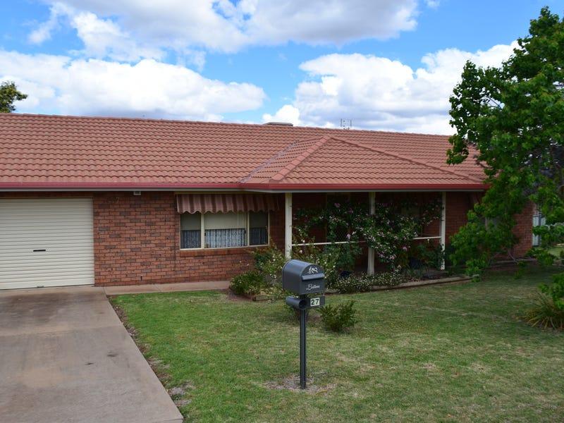 27  Blaxland Street, Parkes, NSW 2870
