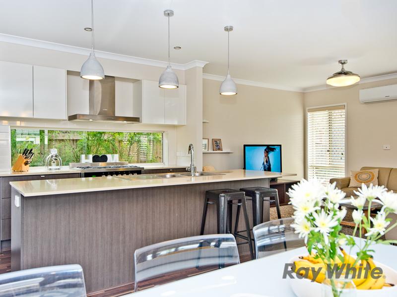 17 Rowallan Street, Warner, Qld 4500