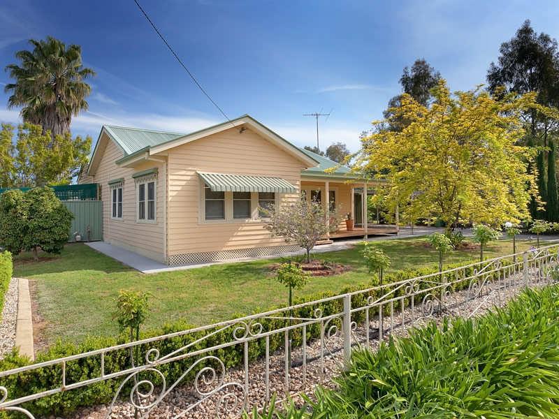 78 Hawkins Street, Howlong, NSW 2643