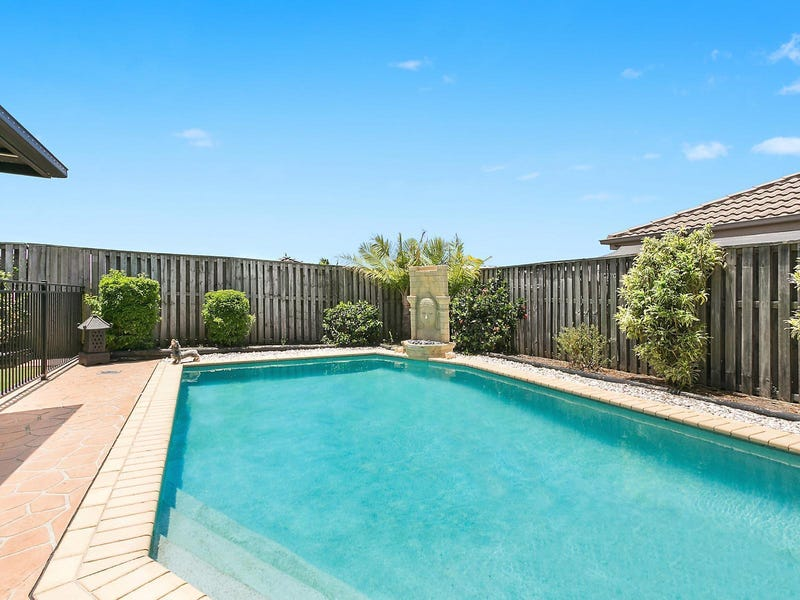 11 Broxbourne Place, Oxenford, Qld 4210