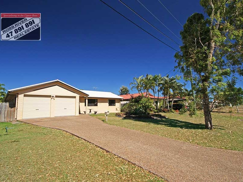243  Pinnacle Drive, Rasmussen, Qld 4815