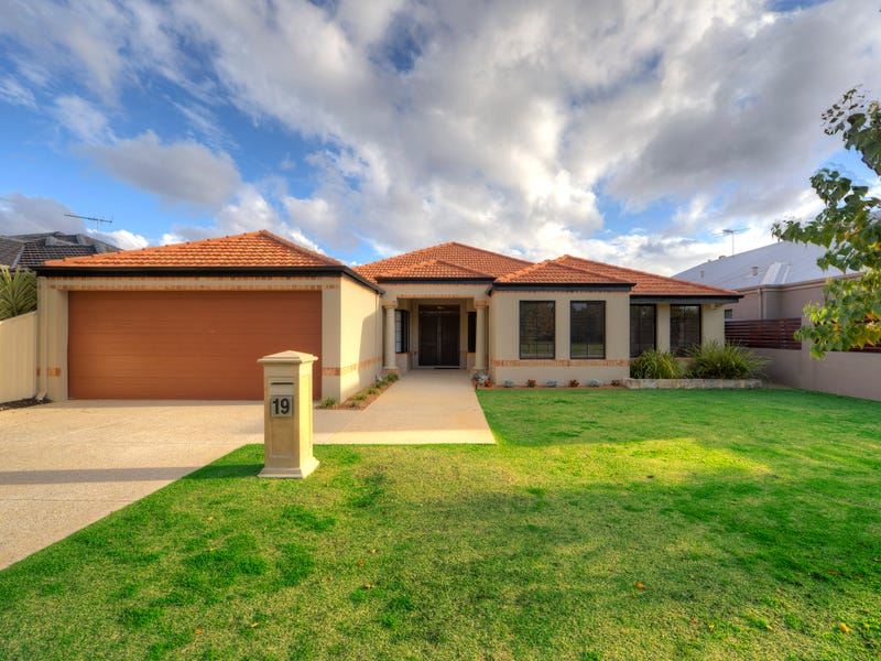 19 Gillings Parade, Wattle Grove, WA 6107