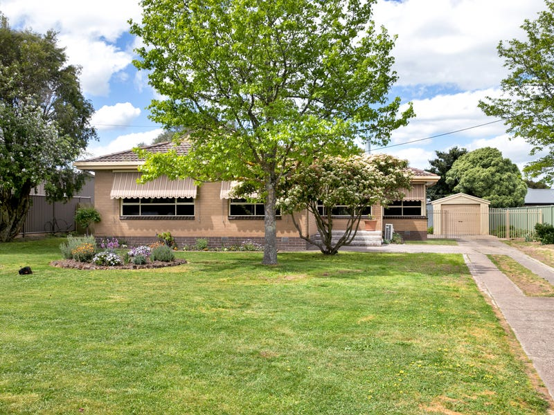 8 Howe Street, Miners Rest, Vic 3352