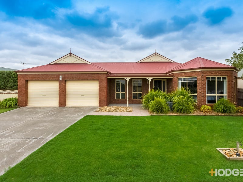 27 Magpie Close, Lara, Vic 3212