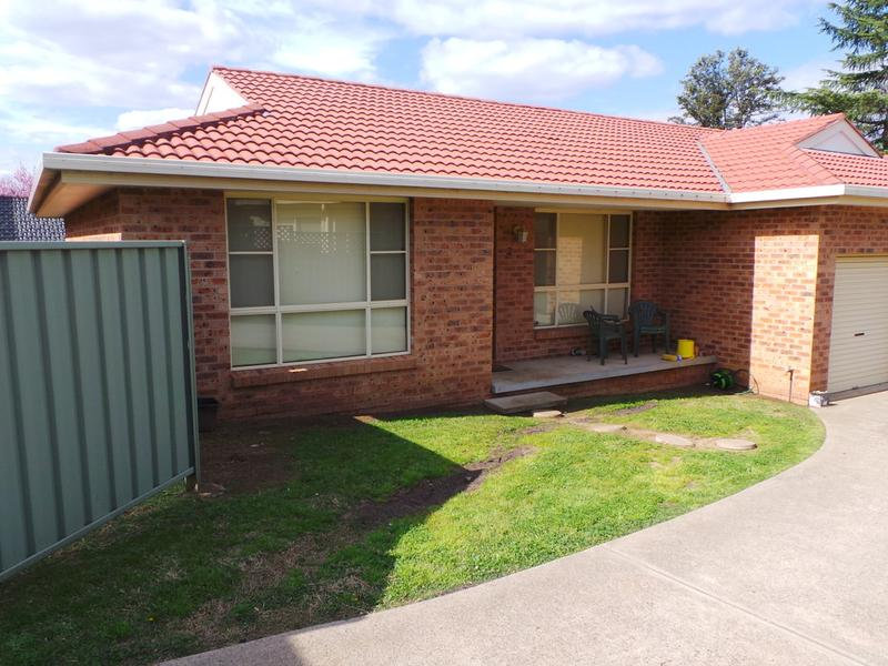 2/25 Campbell Road, Tamworth, NSW 2340