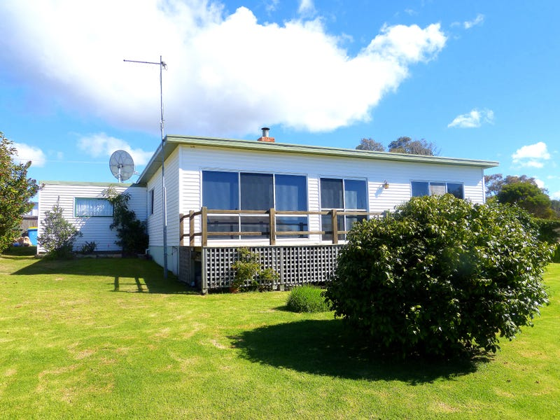18 Sunbeam Cres, Beaumaris, Tas 7215