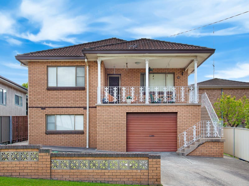 6 Robertson Street, Coniston, NSW 2500