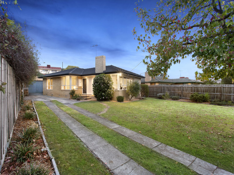 8 Akuna Avenue, Notting Hill, Vic 3168