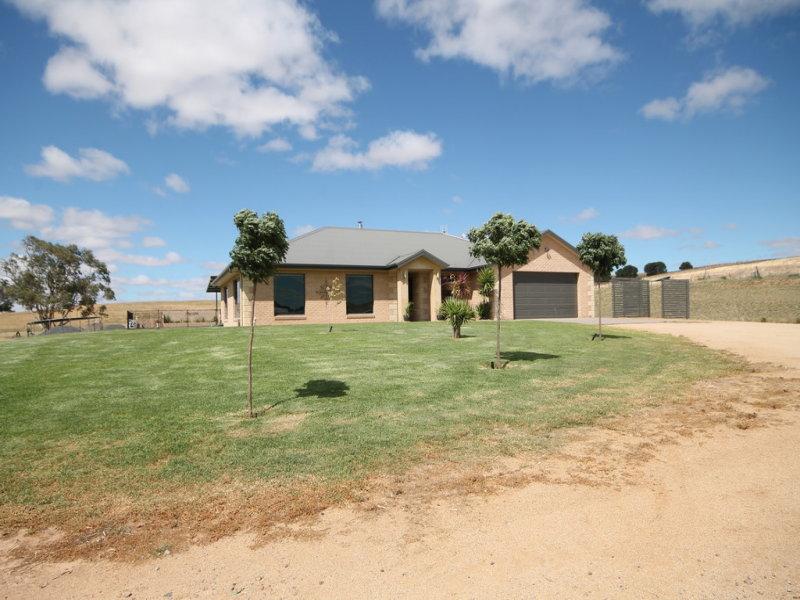 193 Wambanumba Drive, Young, NSW 2594