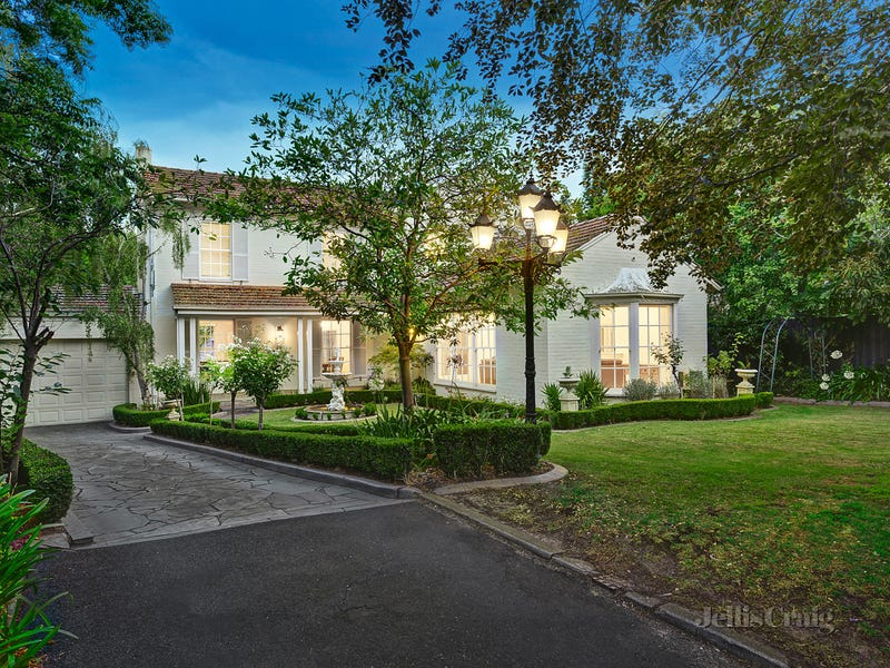 4 Snowden Place, Canterbury, Vic 3126