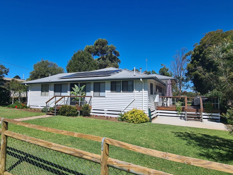 45 South Street, Crows Nest, Qld 4355