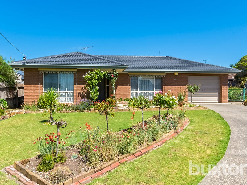 18 Bettsons Court, Whittington, Vic 3219