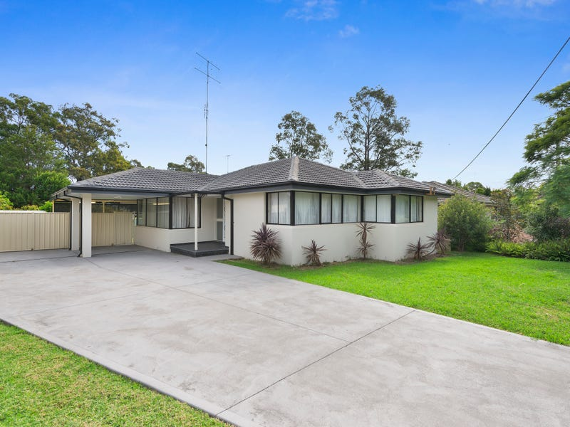 9 WENTWORTH DRIVE, Camden South, NSW 2570