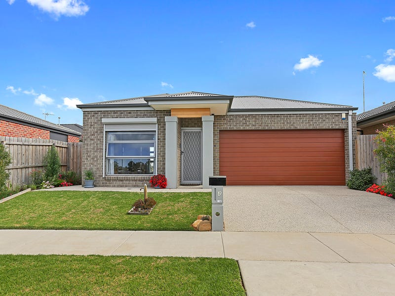 19 Badminton Court, Marshall, Vic 3216
