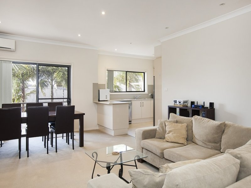 2 38 Robinson Street Wollongong NSW 2500