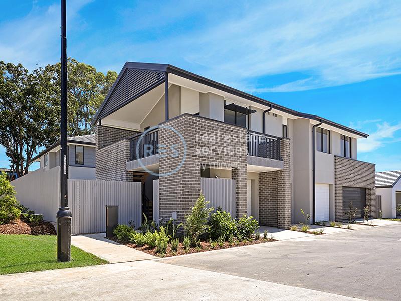 4 Alex Close, Moorebank, NSW 2170