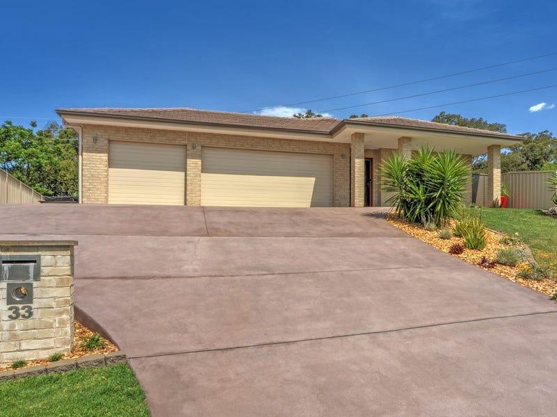 33 Warrigal Street, Nowra, NSW 2541
