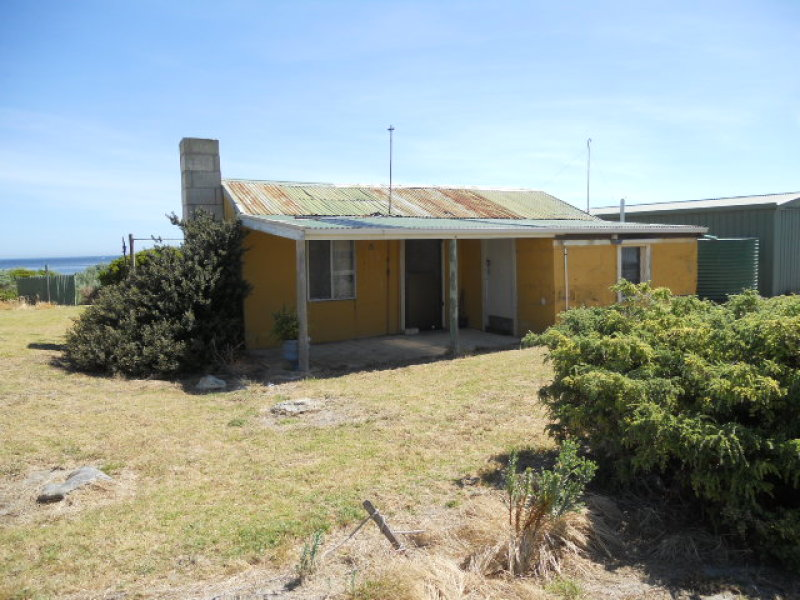 15 Cape Douglas Road, Cape Douglas, SA 5291