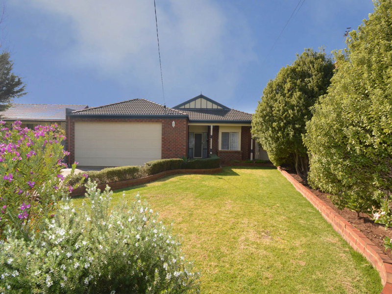 8 Crosslee Court, Deer Park, Vic 3023