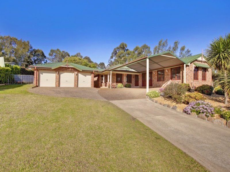 18 Sickles Drive, Grasmere, NSW 2570