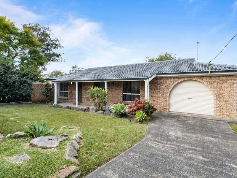 2 Pindarri Avenue, Berkeley Vale, NSW 2261