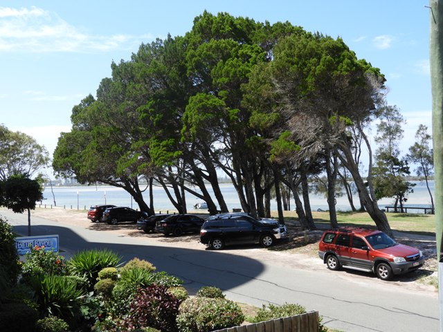 "1/""Sorrento"" 98 Esplanade, Golden Beach, Qld 4551"