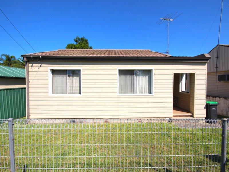 1 Benalong Street, St Marys, NSW 2760