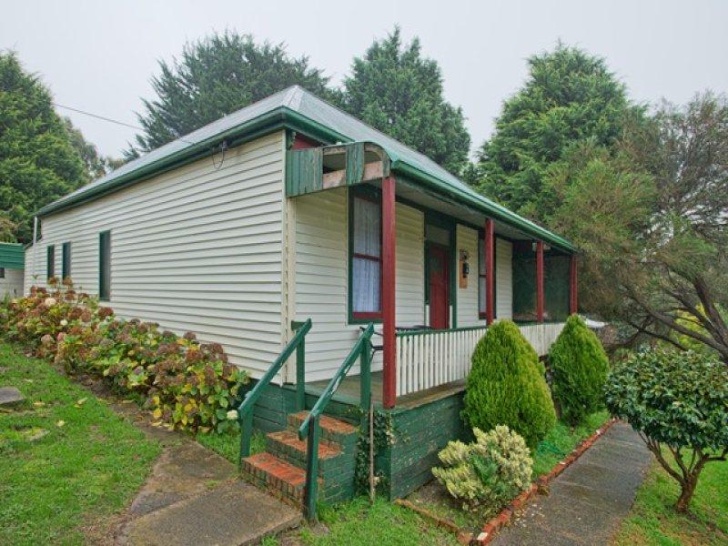 16 Main Road, Mount Egerton, Vic 3352