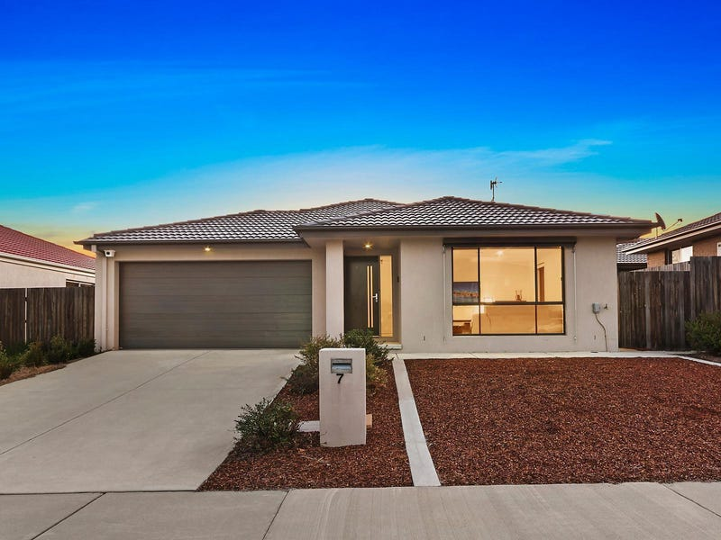 7 Plimsoll Drive, Casey, ACT 2913
