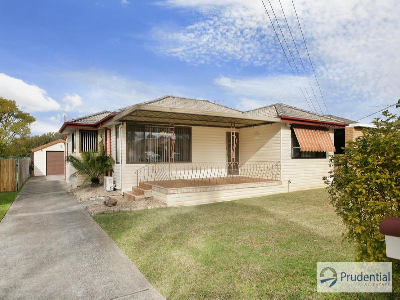 25 Weir Cr, Lurnea, NSW 2170