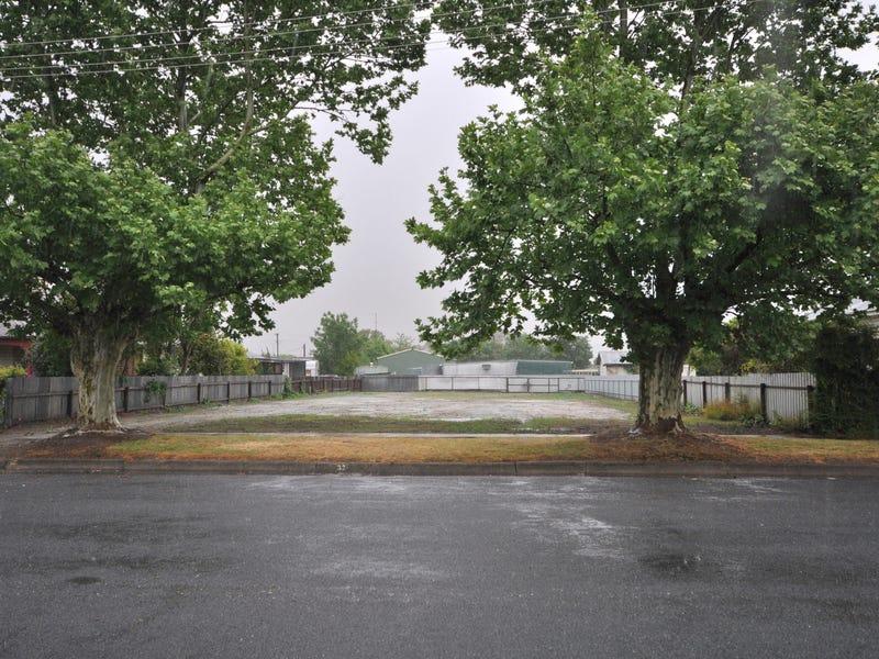 Peel Street, Holbrook, NSW 2644