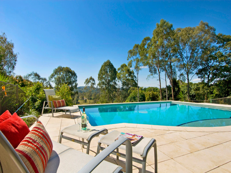 1 Towen View Court, Towen Mountain, Qld 4560
