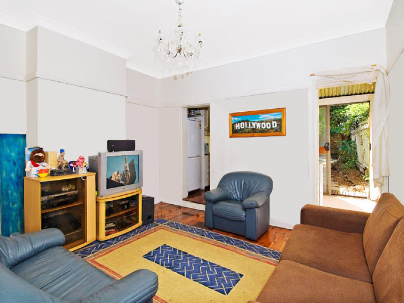 4 Commodore St, Newtown, NSW 2042