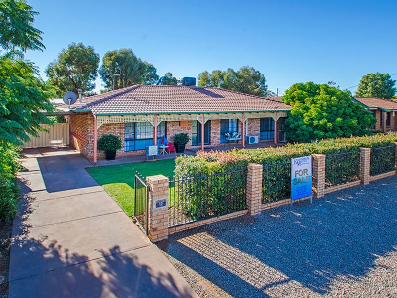 12 Littlewood Place, West Lamington, WA 6430