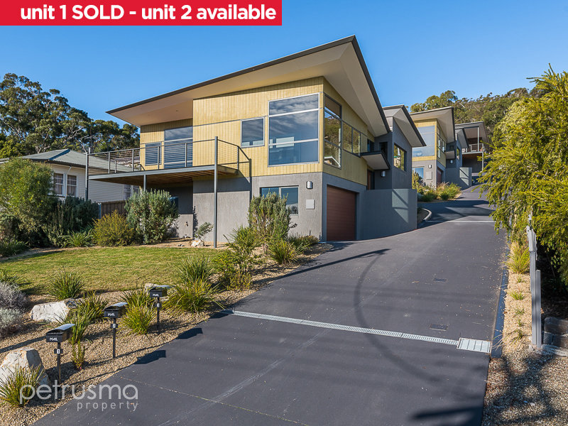 1 and 2/54 Derwent Avenue, Geilston Bay, Tas 7015