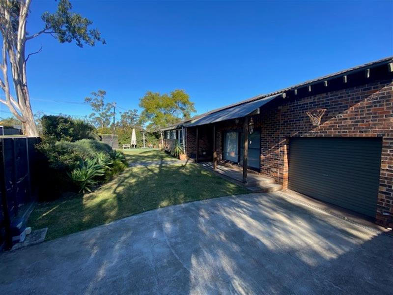 237 Somerville Road, Hornsby Heights, NSW 2077