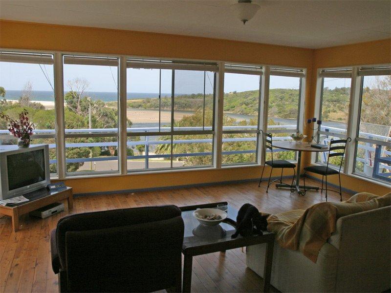30 Lakeview Drive, Wallaga Lake, NSW 2546