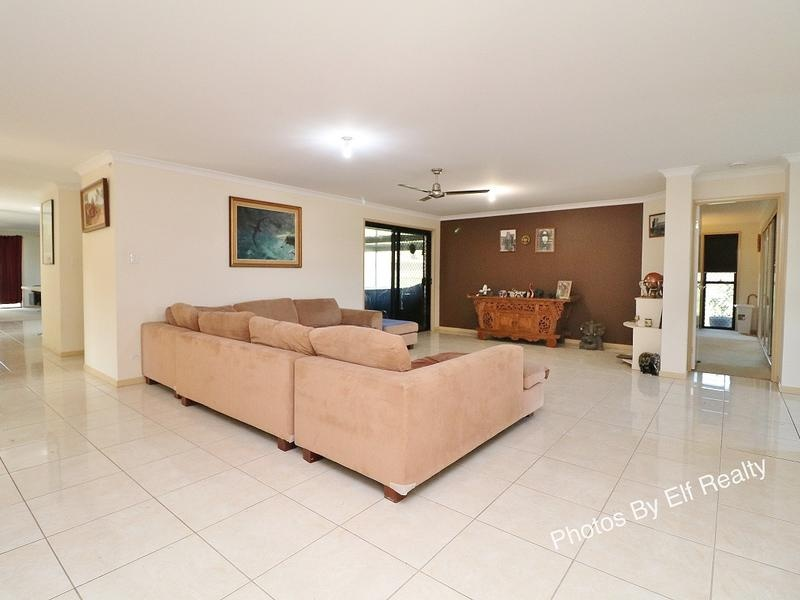 11 Peppertree Place, Plainland