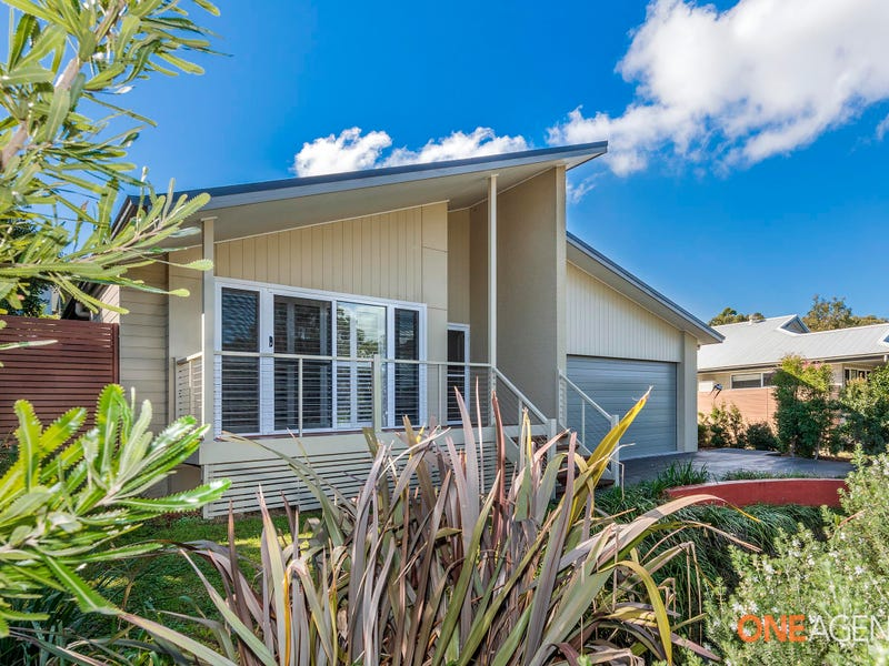 27 Lake Forest Drive, Murrays Beach