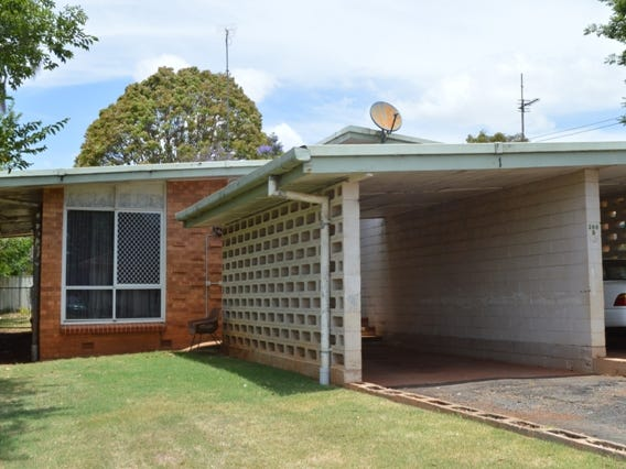 266B South Street, South Toowoomba