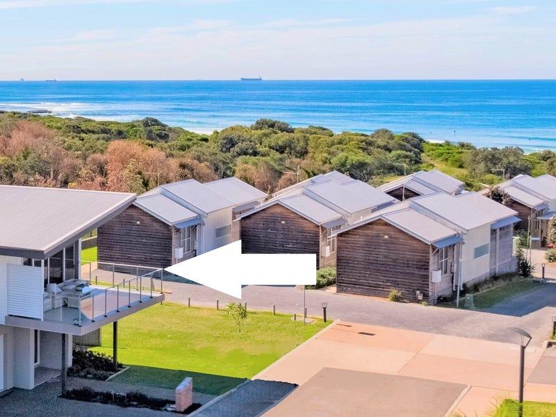 39 Seaside Circuit, Caves Beach, NSW 2281