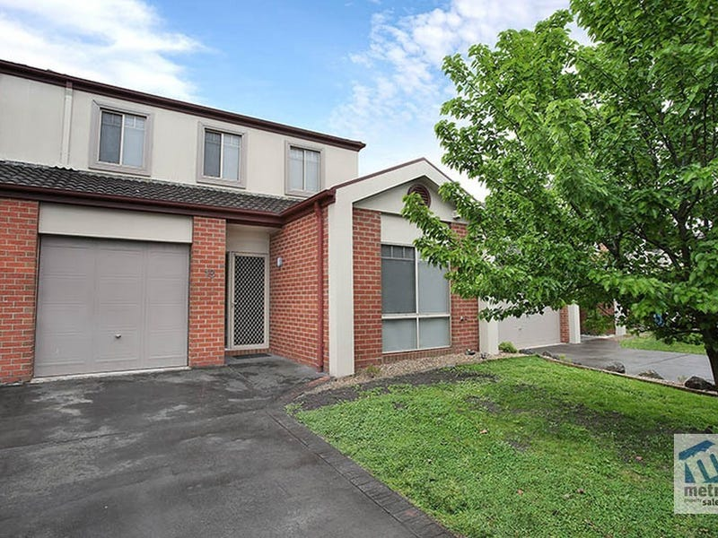 19/12 Grant Close, Berwick, Vic 3806
