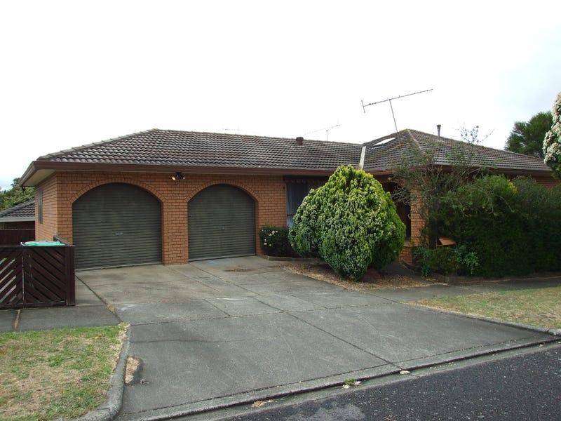 13 Merton Court, Newborough, Vic 3825