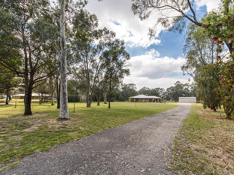 66 Byford Meadows Drive, Oakford, WA 6121