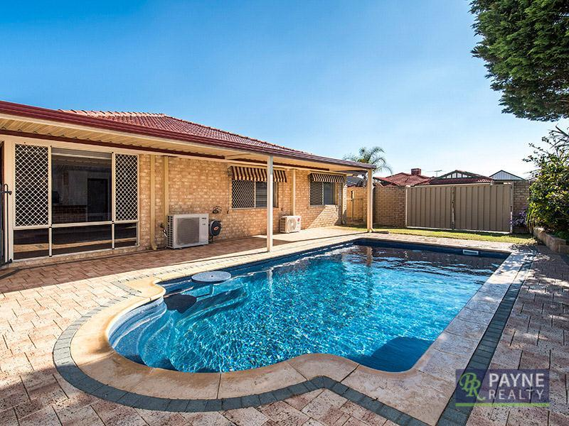 1 Langrune Grove, Port Kennedy, WA 6172