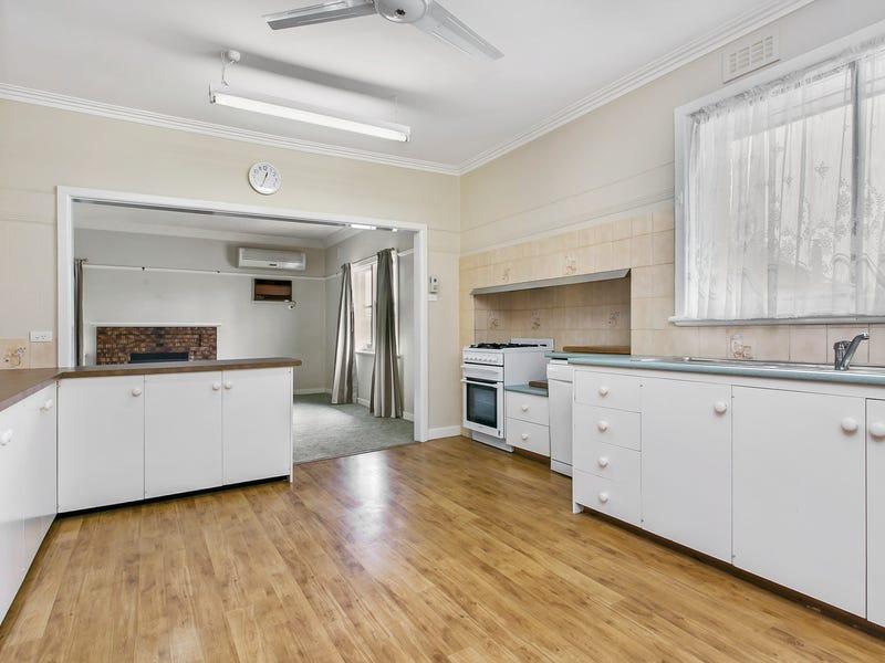 390 Napier Street, White Hills, Vic 3550