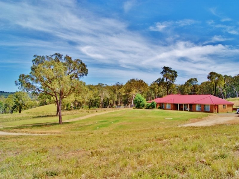911 Taylor's Flat Road, Boorowa, NSW 2586