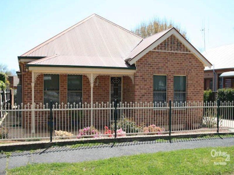 33 Clinton St, Orange, NSW 2800