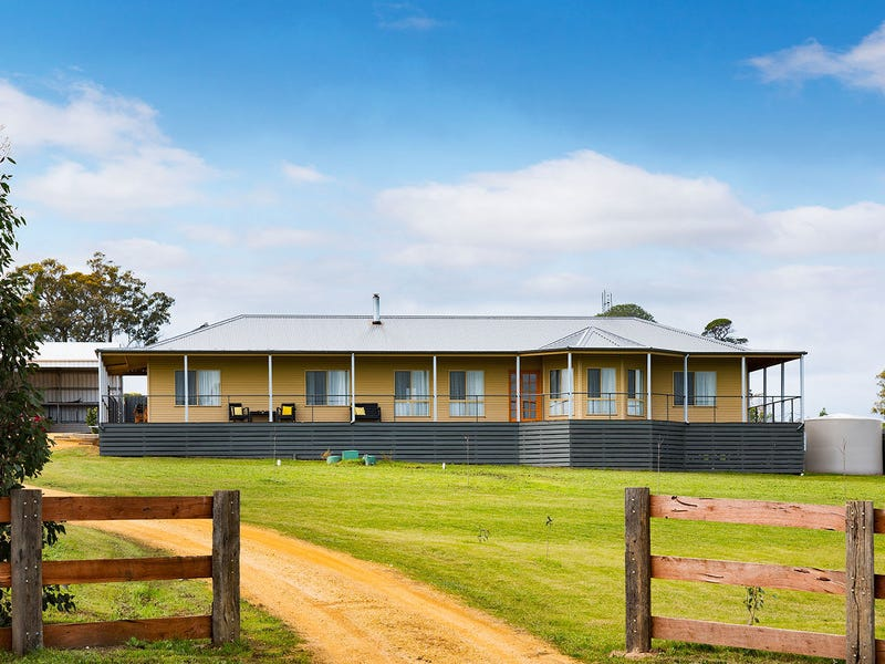 17 Cairn Curran Road, Baringhup, Vic 3463